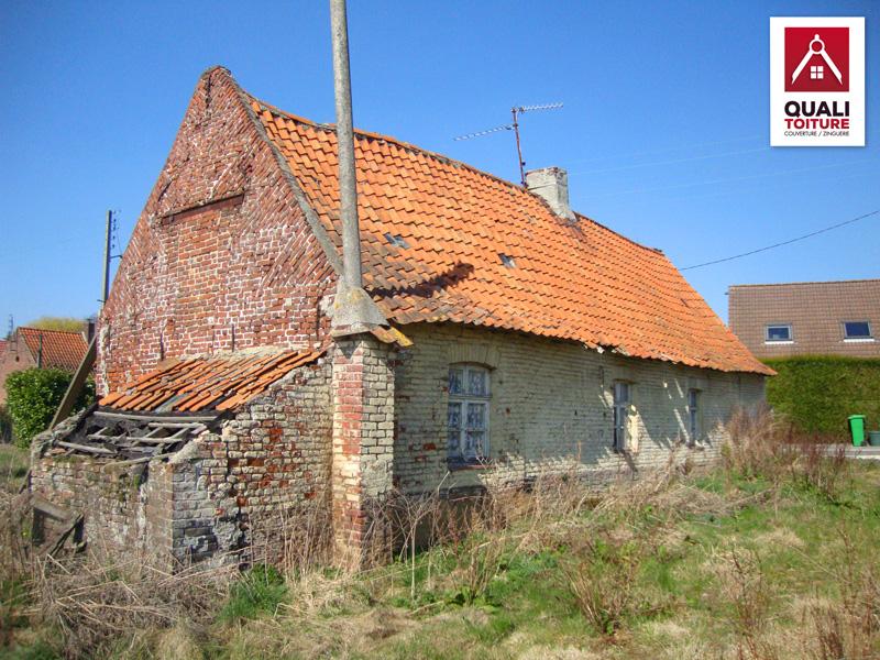 Toiture de maison toiture ardoise 60x30 crochets tuile for Maison toiture tuile